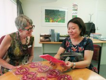 Meeting with the Principal of Onehunga High School to introduce Chinese New Year custom