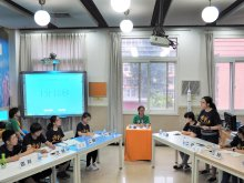 S6R CHAN Chun-wa (L1 First Opposition) participating in a vehement debate with students from schools in various provinces in China during the Forum